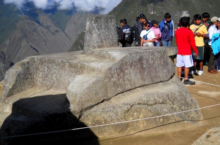 Pedra Intihuatana, usada como relógio solar