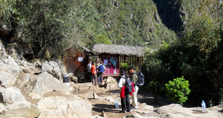 Entrada de trilha para Waynapicchu