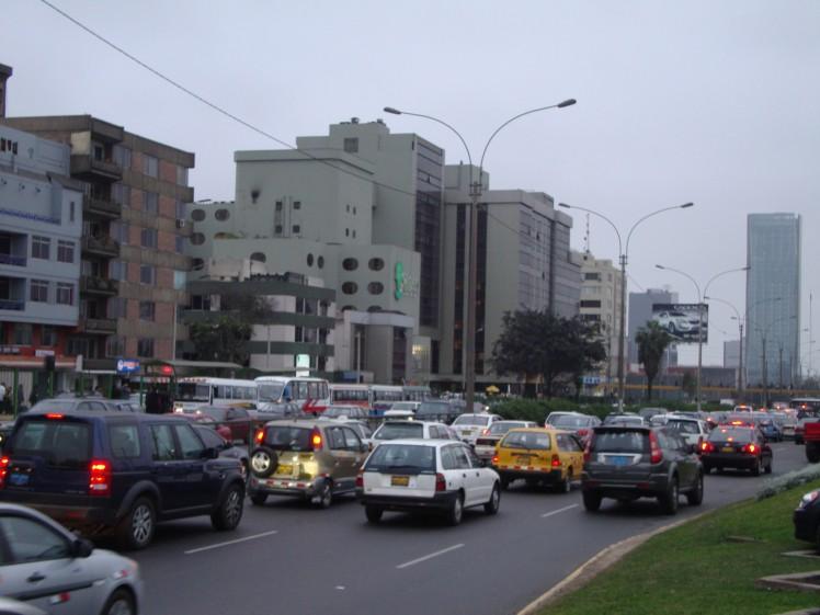 Trânsito caótico de Lima
