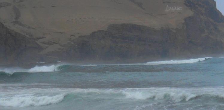 Altas olas em La Herradura