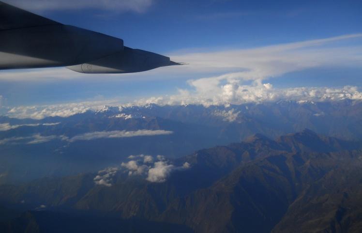 Voo de volta de Cuzco - Cordilheira dos Andes ao fundo