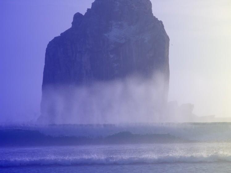 Altas ondas em Roca Bruja