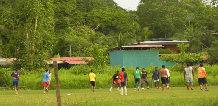 Os Costariquenos são apaixonados por futebol