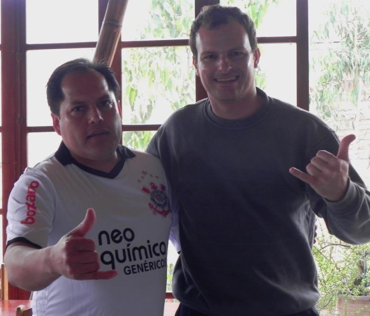 Julio Sanchez con la camisa del Corinthians que le regalé ...