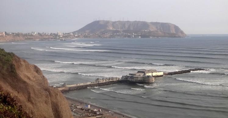 Swell bombando a Costa Verde de Lima
