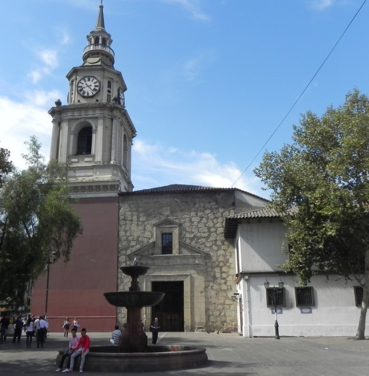 A construção mais antiga da cidade, a Iglesia de San Francisco. Há um importante museu de arte sacra ao lado.
