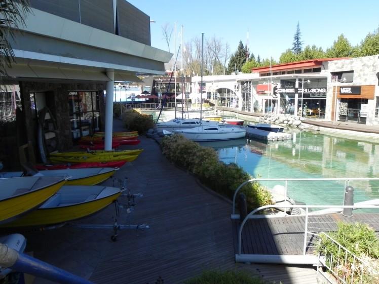 MallSport - Este é um shopping voltado só para esportes, sendo que possui a primeira onda artificial da América Latina