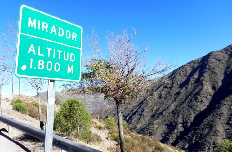 Subindo a cordilheria dos Andes. Primeira parada em 1800 metros.