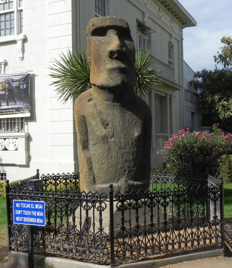 Moai da Ilha de Pascoa em Viña