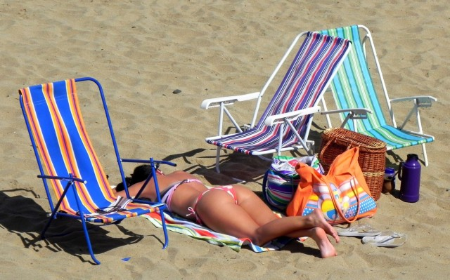 No Chile as pessoas vão a praia de roupa ... a não ser quando pinta umas brasileiras ! (Reñaca)