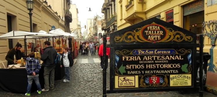San Telmo - Feira de Antiguidades, na Calle Defensa