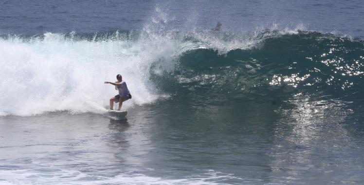 Surfing Uluwatu