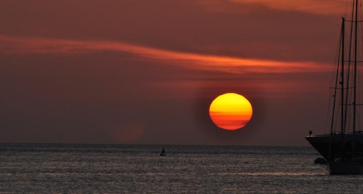 Pôr-do-sol em Puerto Baquerizo