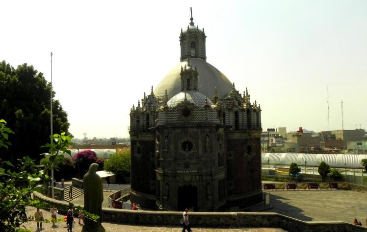 Templo Del Pocito - Basílica de Guadalupe
