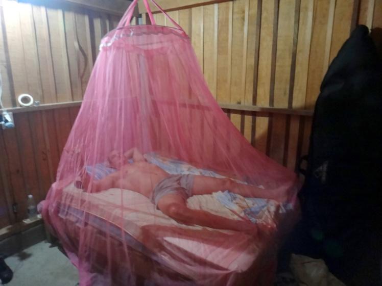 Dormindo de mosquiteiro - Me lembrou a infância em Santo Ângelo - Pepe Cabanas - Barra De la Cruz
