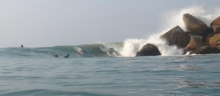 Surfing Barra De la Cruz