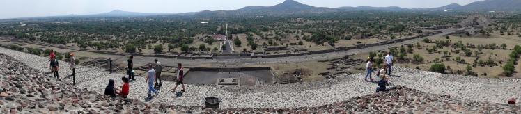 Panorâmica de Teotihuacán desde a Pirâmide do Sol