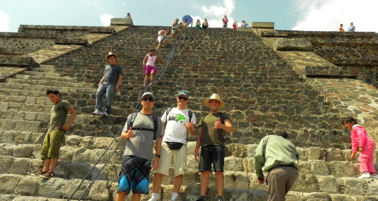Subindo a Pirâmide da Lua