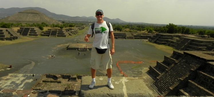 Perspectiva de Teotihuacán desde a Pirâmide da Lua