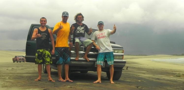Luis, João e Tiburón com o Fito, nosso guia
