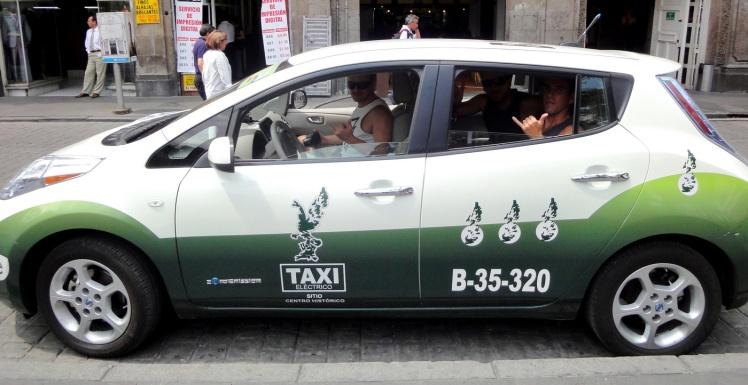 Táxi Elétrico na Cidade do México