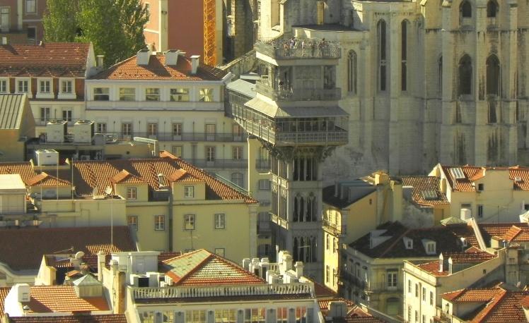Elevador de Santa Justa visto do Castelo de São Jorge
