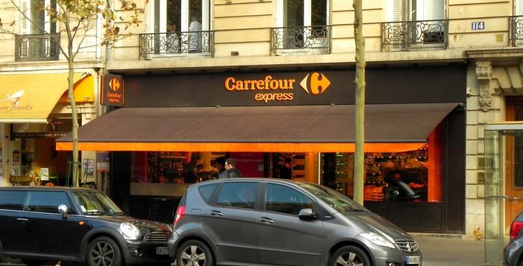 Vim até Paris para acabar num Carrefour!