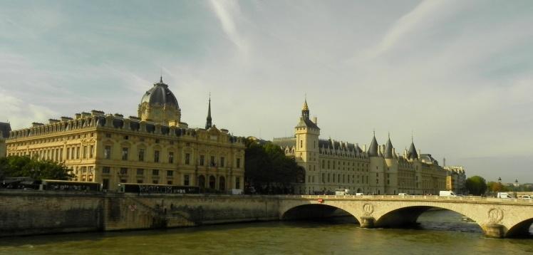 Vista do Rio Senha, Consiergiere, Sainte-Chapelle e Palácio da Justiça