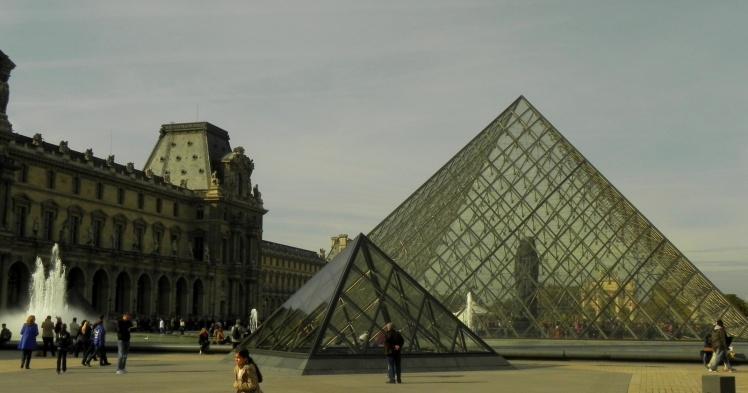 Pirâmedes do Museu do Louvre