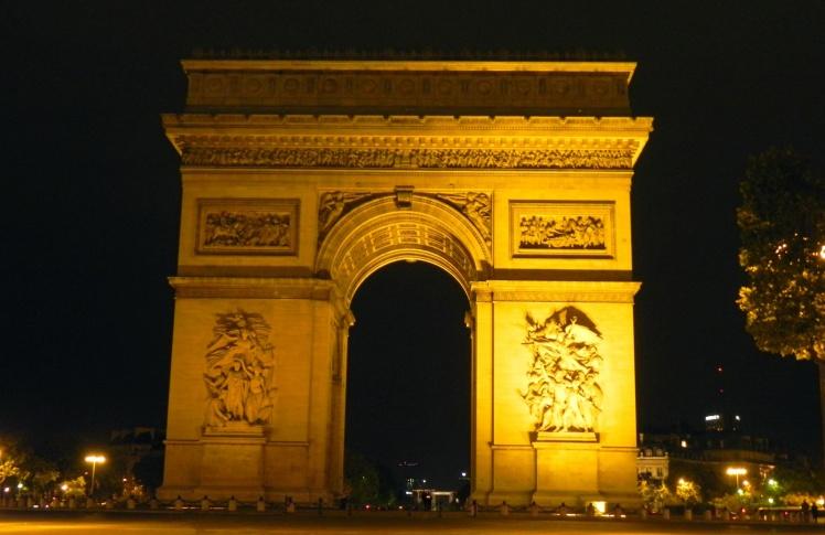 Arco do Triunfo à noite
