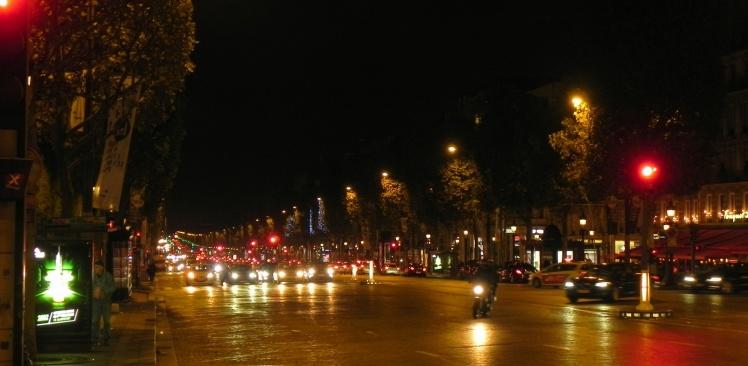 Avenida Champs-Elysées à noite