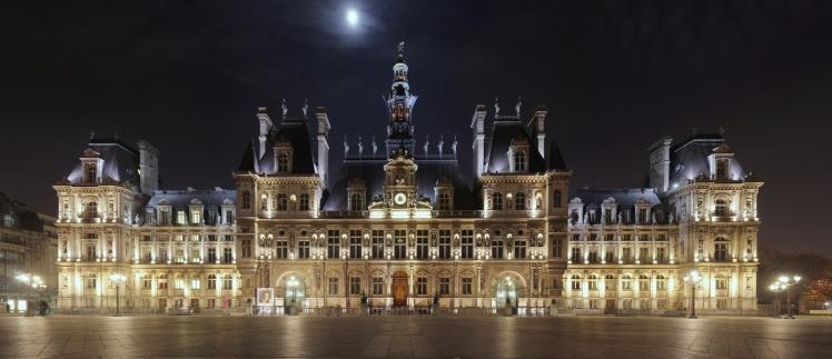 Hotel de Ville à noite