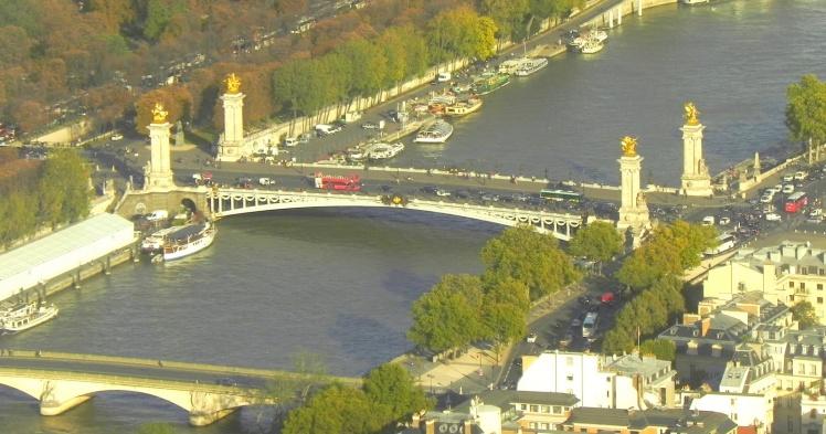 Ponte Alexandre III vista do topo da Torre Eiffel