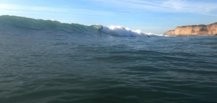 Surfe em Ericeira - Mais um dia com excelentes ondas em Ribeira D'Ilhas! Impressionante esta direita!