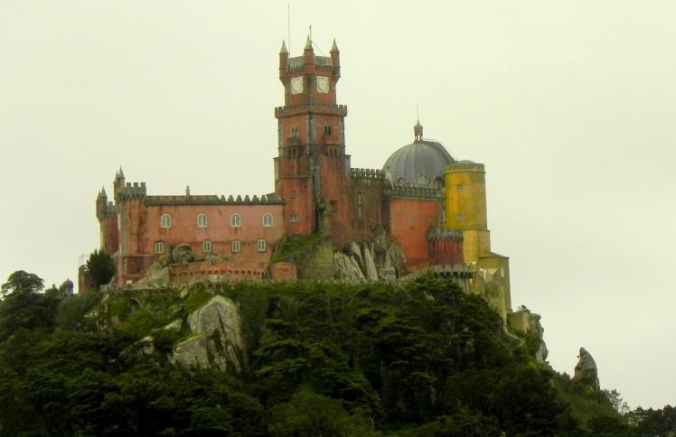 Palacio da Pena visto do Castelo dos Mouros - Sintra