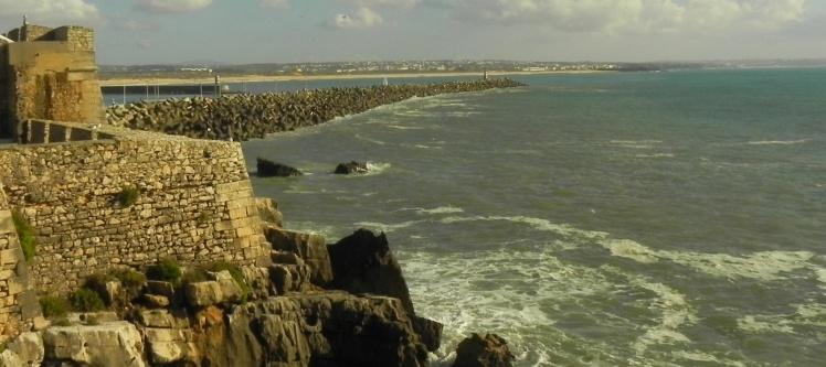 Peniche - Vista do Molhe Leste e Supertubos