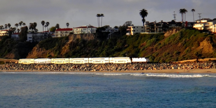 Pacific Surfliner train route - Esta linha de trem costeia quase todo o litoral central e sul da Califórnia