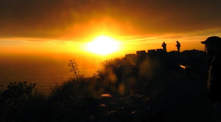 Por-do-sol na Big Sur