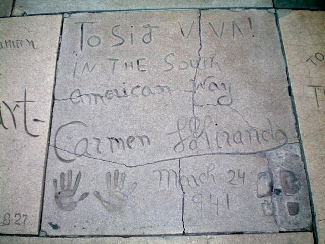 Calçada do Teatro Chinês - Carmen Miranda