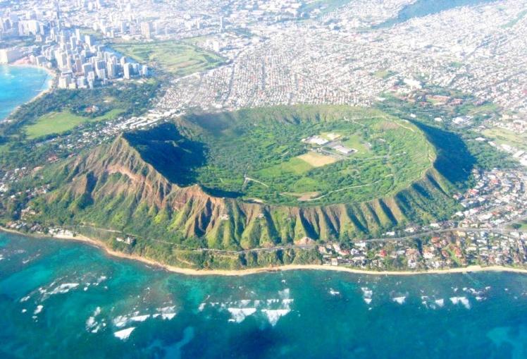 Sobrevoando Oahu - Vulcão Diamond Head