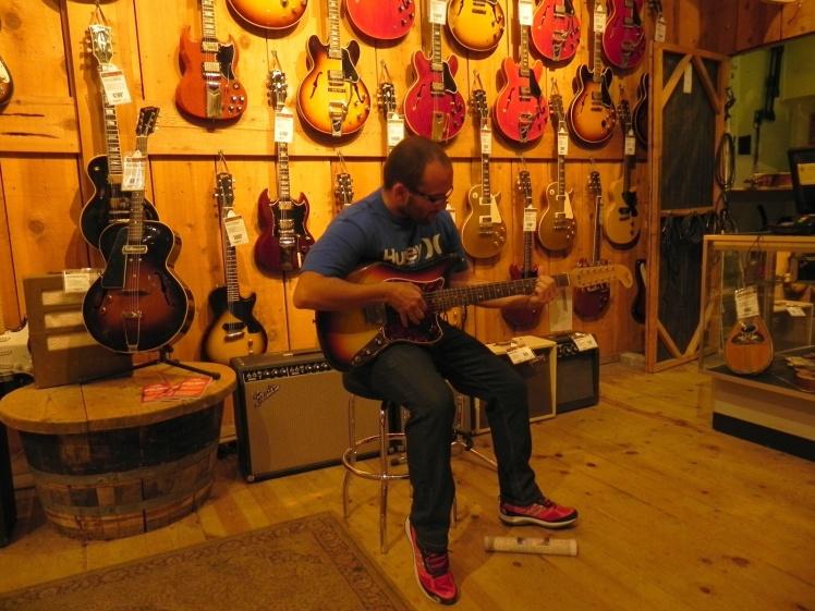 Novo prodígio da guitarra descoberto em Los Angeles!