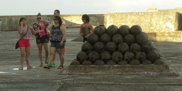 As buchas e os canhões ...