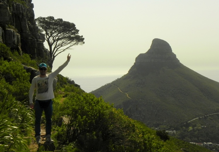 Trilha na Table Mountain - Lion's Head ao fundo