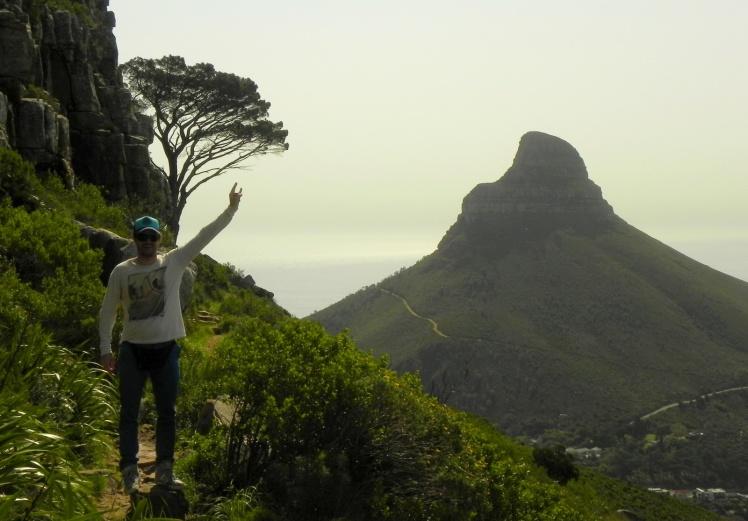 Trilha na Table Mountain - Lion's Head ao fundo
